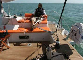 Rent a catamaran in Port Tino Rossi - Aventura 33