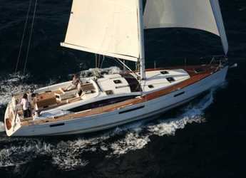 Rent a sailboat in Macinaggio - Jeanneau 53