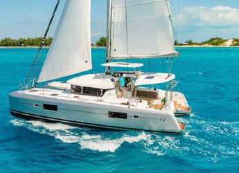 Rent a catamaran in Port Lavrion - Lagoon 42