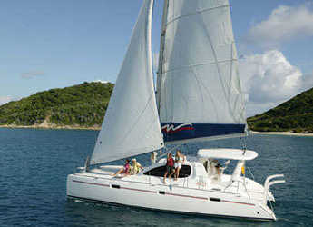Rent a catamaran in Marina di Procida - Leopard 4000