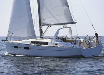 Rent a sailboat in Marina di Cannigione - Oceanis 350