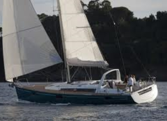 Rent a sailboat in Marina di Cannigione - Oceanis 48