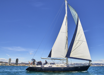 Rent a sailboat in Port Olimpic de Barcelona - Jeanneau Sun Odyssey 45