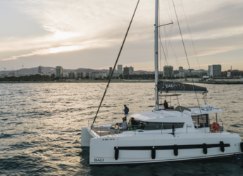 Rent a catamaran in Port Olimpic de Barcelona - Bali 4.1