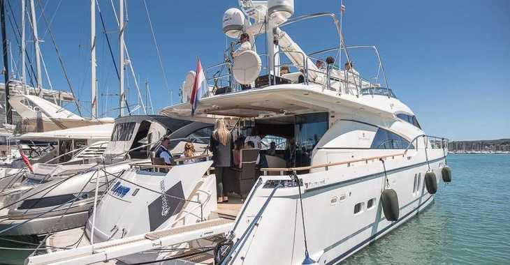 Rent a yacht in Marina el Portet de Denia - YATE - LUXURY EXPERIENCE