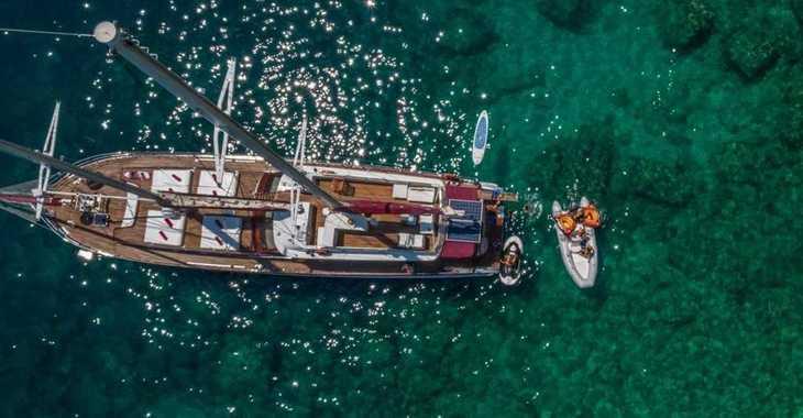 Rent a sailboat in ACI Marina Dubrovnik - Motor sailor 27