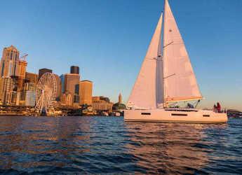 Rent a sailboat in Marina di Portorosa - Sun Odyssey 440