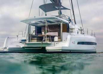 Chartern Sie katamaran in Marina el Portet de Denia - CATAMARÁN-LUXURY EXPERIENCE