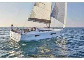 Rent a sailboat in Kos Port - Sun Odyssey 410