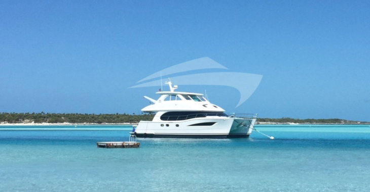 Rent a power catamaran  in Nassau - Horizon 52