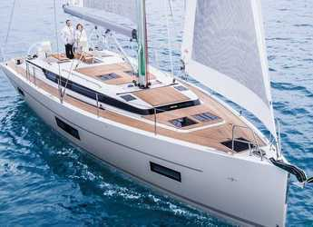 Rent a sailboat in Paros - Bavaria C45