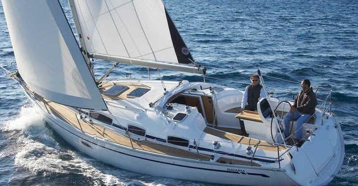 Rent a sailboat in Skiathos  - Bavaria 38
