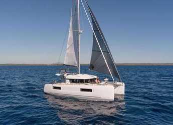Rent a catamaran in Club Naútico de Sant Antoni de Pormany - Lagoon 40
