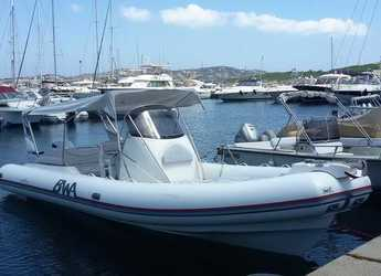 Rent a dinghy in La Maddalena (Cala Gavetta) - BWA 28
