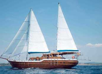 Rent a schooner in Port of Fornells - GOLETA 24M