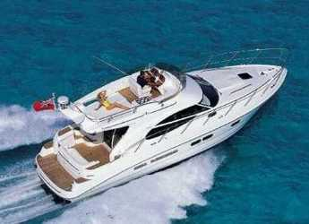 Rent a motorboat in Marina Baotić - Sealine F42-5 Fly