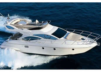 Rent a motorboat in Marina Baotić - Azimut 43 Fly