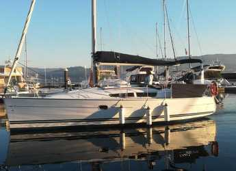Rent a sailboat in Vigo  - Sun Odissey 32i