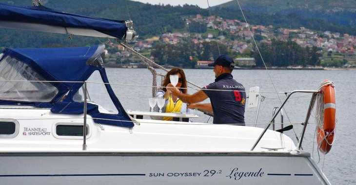 Rent a sailboat in Vigo  - Sun Odyssey 29.2