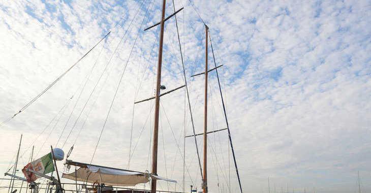 Chartern Sie motorboot in Porto Capo d'Orlando Marina - Motor sailer