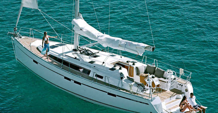 Rent a sailboat in Alimos Marina Kalamaki - Bavaria Cruiser 46