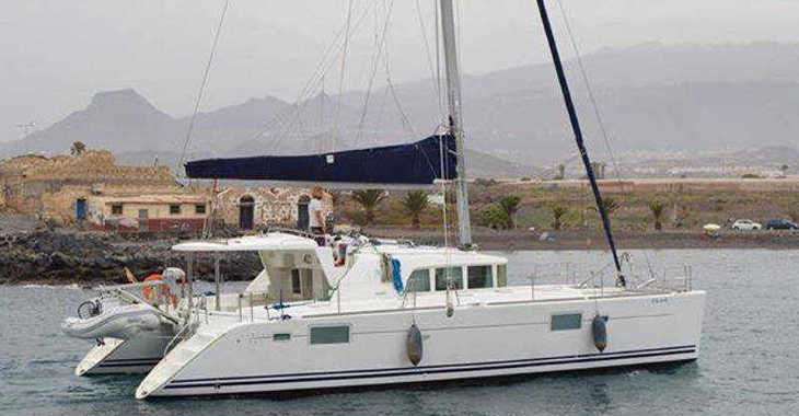Rent a catamaran in Veruda - Lagoon 440