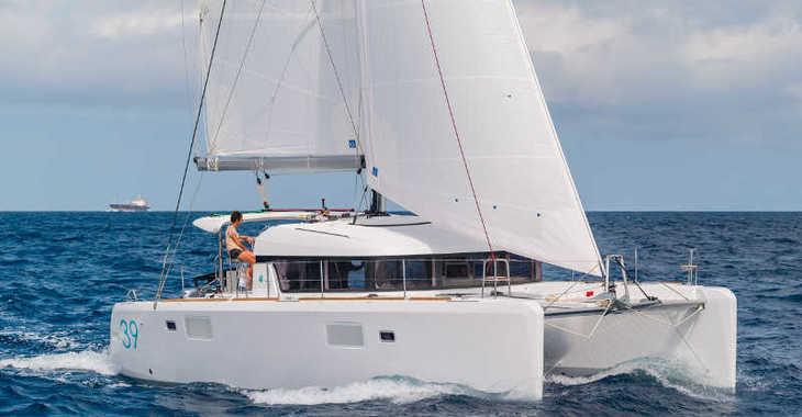 Rent a catamaran in Alimos Marina Kalamaki - Lagoon 39