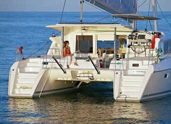 Rent a catamaran in Marina Kastela - Lagoon 421