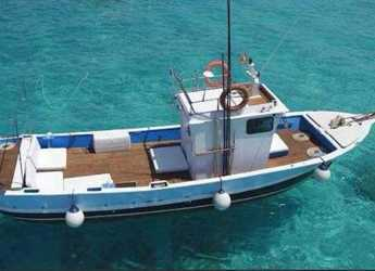 Rent a motorboat in Marina Ibiza - Barco Chanquete