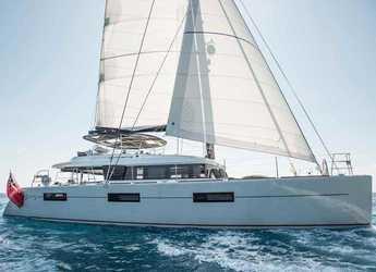 Rent a catamaran in Marina d'Arechi - Lagoon 620 Essence