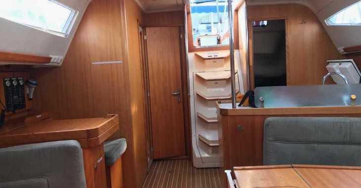 Rent a sailboat in Marina del Sur. Puerto de Las Galletas - Elan 434 Impression