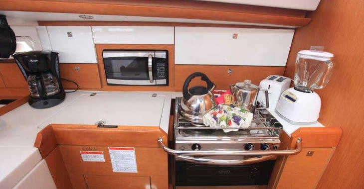 Rent a sailboat in Nanny Cay - Sun Odyssey 44 DS