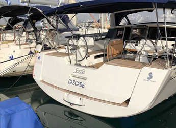 Rent a sailboat in Agios Kosmas Marina - Bénéteau Sense 51 - 3 + 1 cab.
