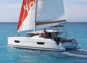 Rent a catamaran in Agios Kosmas Marina - Fountaine Pajot Lucia 40