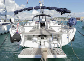 Rent a sailboat in Marina Baotić - Hanse 575 - 4 + 1 cab.