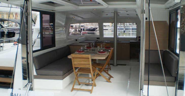 Alquilar catamarán Bali 4.0 en Alimos Marina Kalamaki, Atenas