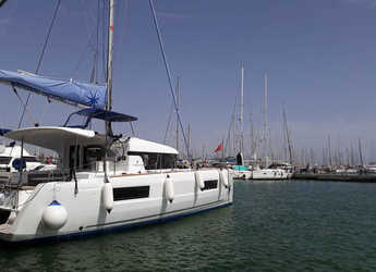 Rent a catamaran in Naviera Balear - Lagoon 40 - 4 + 2 cab