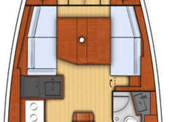 Rent a sailboat in Port Gocëk Marina - Oceanis 38.1 - 2 cab.