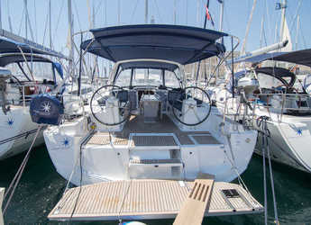 Rent a sailboat in Marina Baotić - Oceanis 41.1
