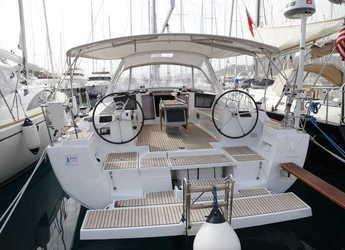 Rent a sailboat in Port Gocëk Marina - Oceanis 45 - 3 cab.