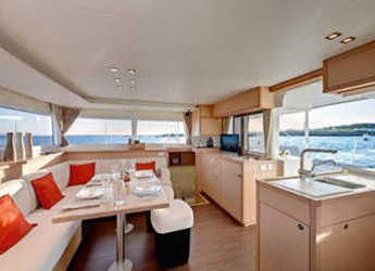 Rent a catamaran in Abel Point Marina - Lagoon 450