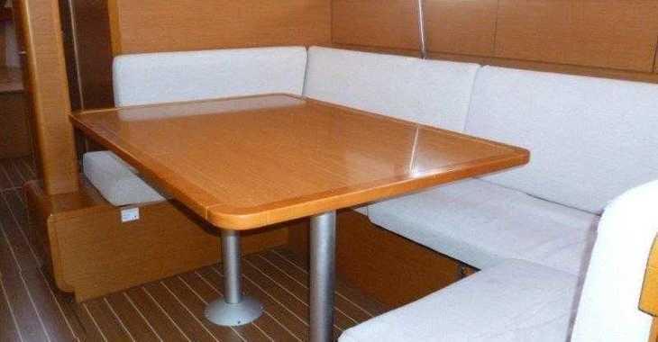 Rent a sailboat in Naviera Balear - Sun Odyssey 439