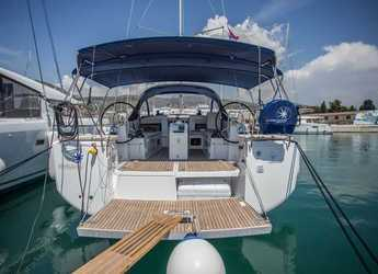 Rent a sailboat in Agios Kosmas Marina - Sun Odyssey 440