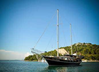 Rent a schooner in SCT Marina Trogir - Gulet 60
