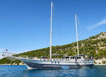 Rent a schooner in Split (ACI Marina) - Gulet 102