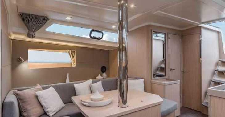 Rent a sailboat in Port Mahon - Oceanis 41.1