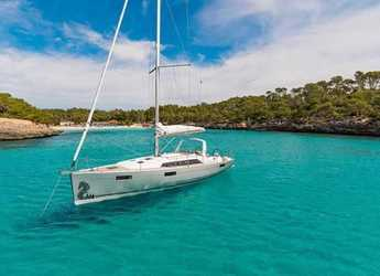 Rent a sailboat in Port Mahon - Oceanis 41.1