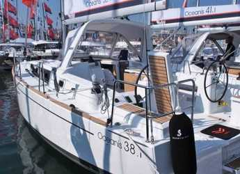 Rent a sailboat in Port Mahon - Oceanis 38.1