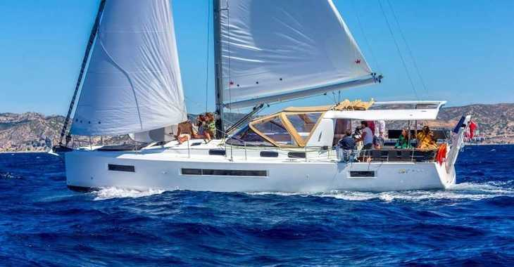 Rent a sailboat in Marina Le Marin - Sun Loft 47