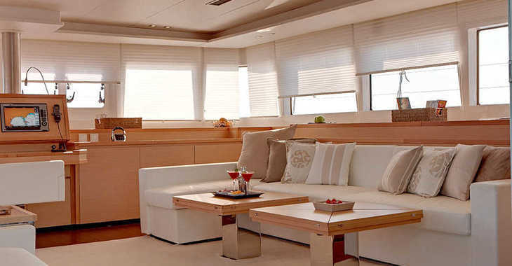 Rent a catamaran in Marina Le Marin - Lagoon 620